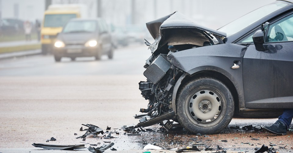 how to survive car crash